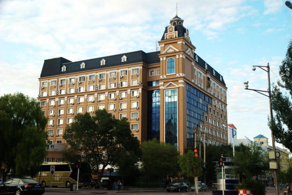 四星级酒店两台350KW全预混冷凝锅炉供热项目